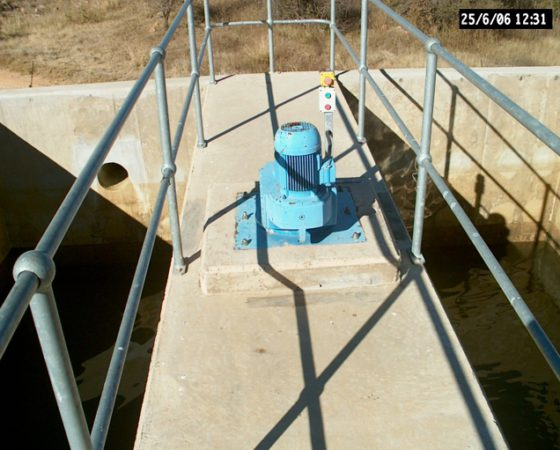 Outside Top Mounted Pump System